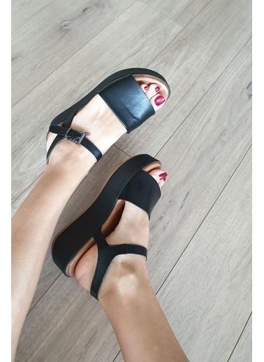 Topukla Hakiki Deri Sandalet Siyah
